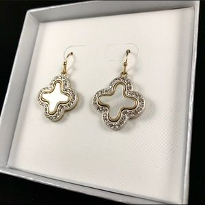 ✅🆕❤️Mother of pearl and crystal earrings